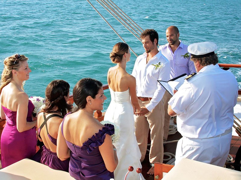 Istanbul Wedding Planning Organizations on Private Yacht
