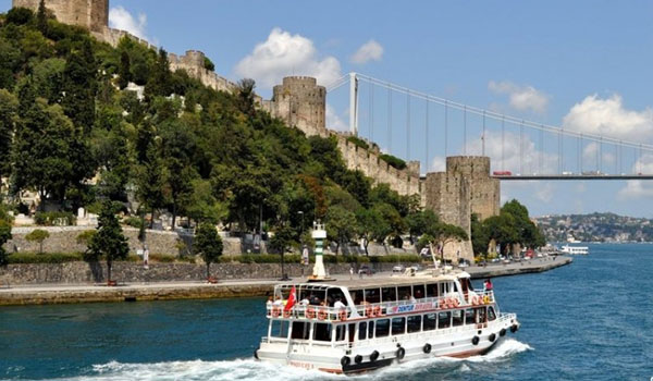 Take a boat tour down the Bosphorus