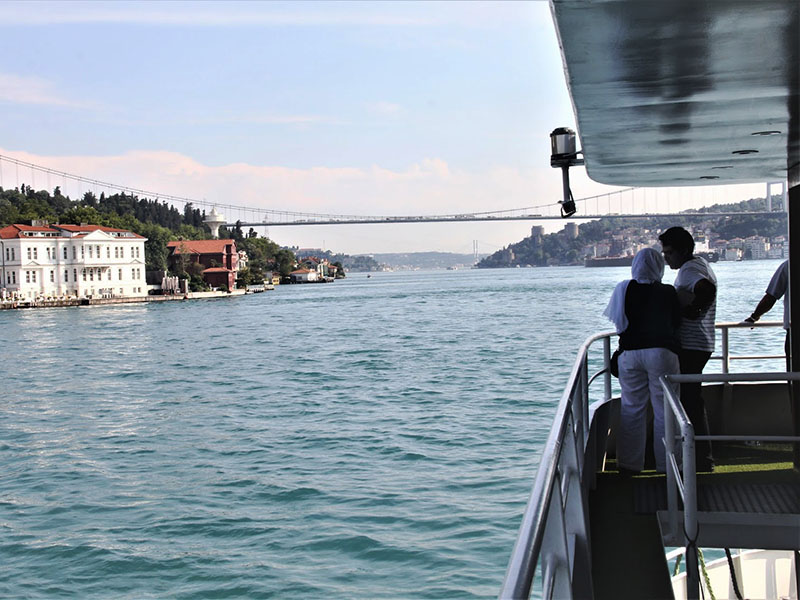 Istanbul Bosphorus Cruise Open Buffet Lunch On The Boat